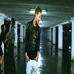 Akcent Lovers Cry
